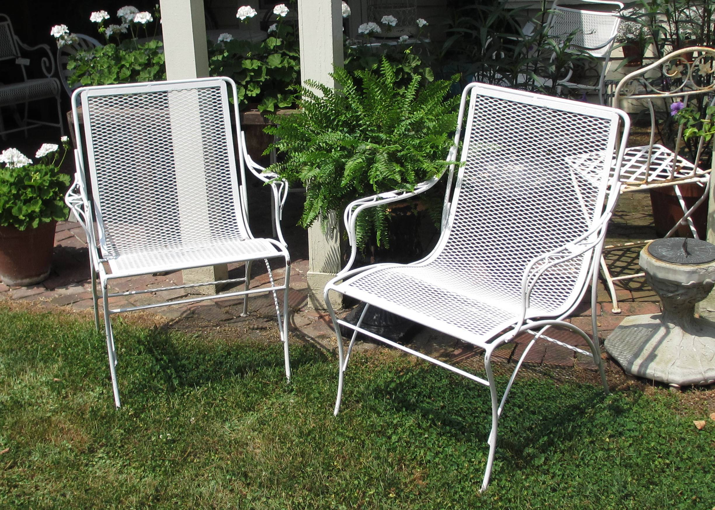 Set of 2 Metal Patio Arm Chairs