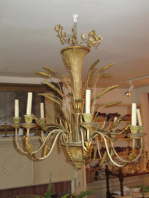 Vintage Chandelier in Adams Design, Wheat Decorated Wood & Metal Gilt Italian Style Chandelier